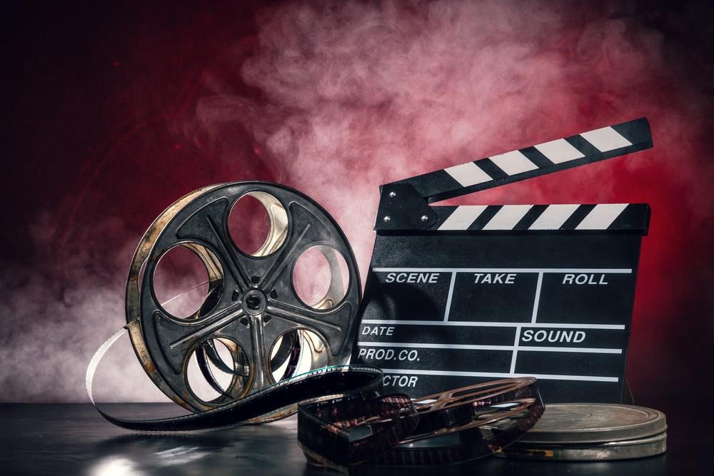 Фильмы в картинках надписи